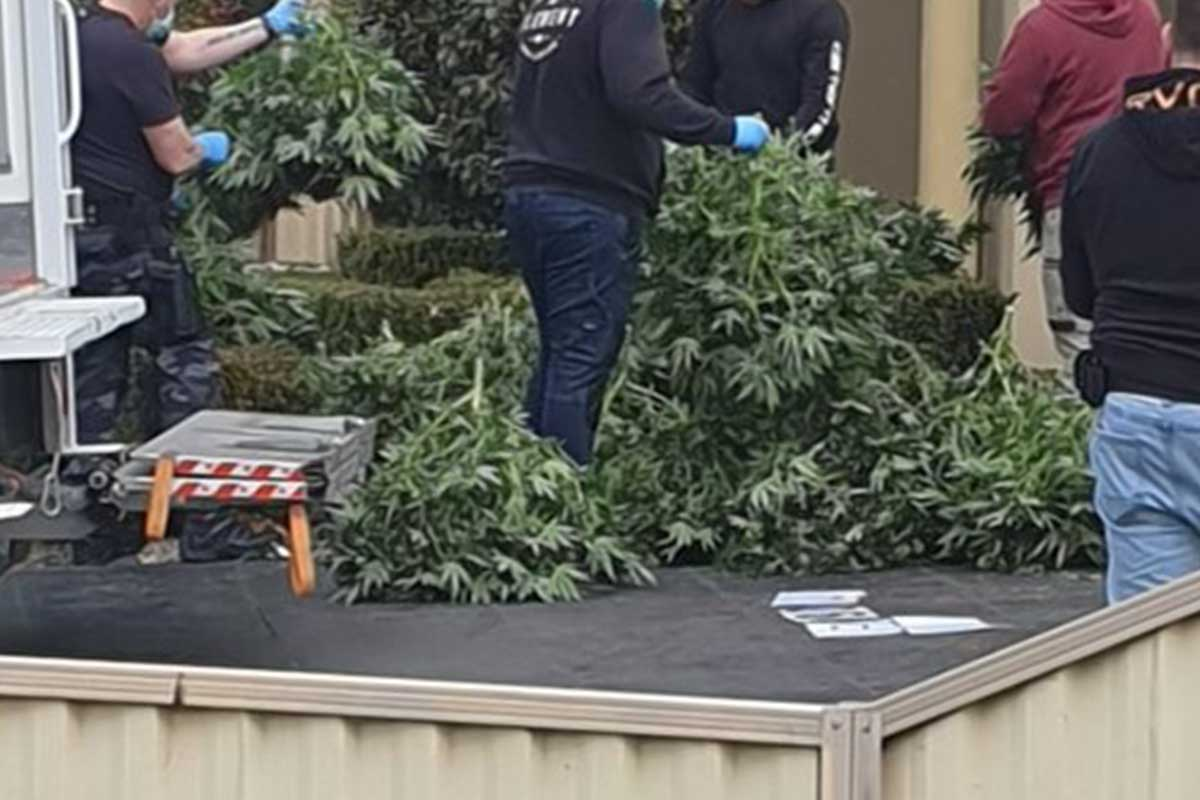 Article image for LATEST: 3AW listener spots significant drug bust