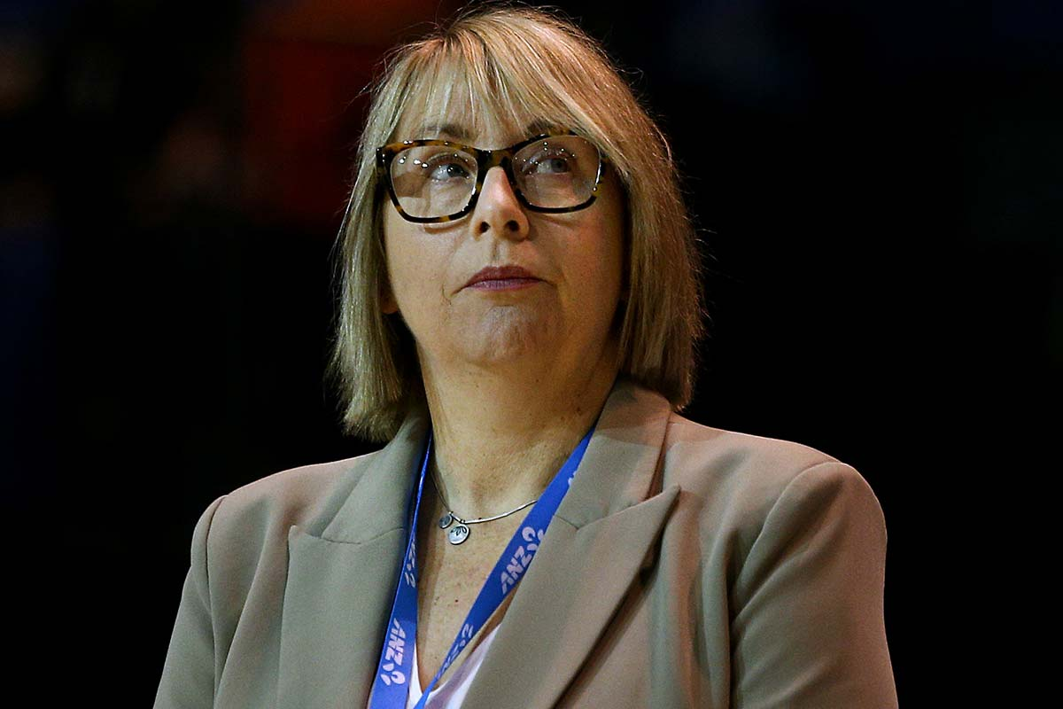 Article image for Former Australian netball coach says she has no doubt she could coach in the AFL