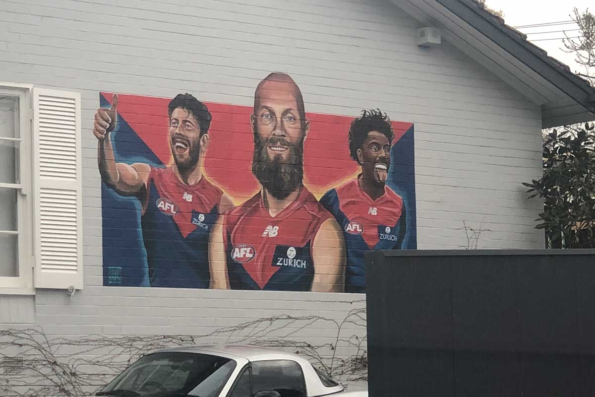 Article image for Mural of three Melbourne stars pops up in Kew