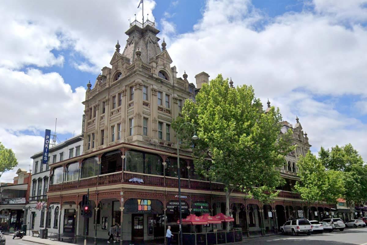 Article image for Bendigo hotel owner floored by 'mindboggling' easing of restrictions