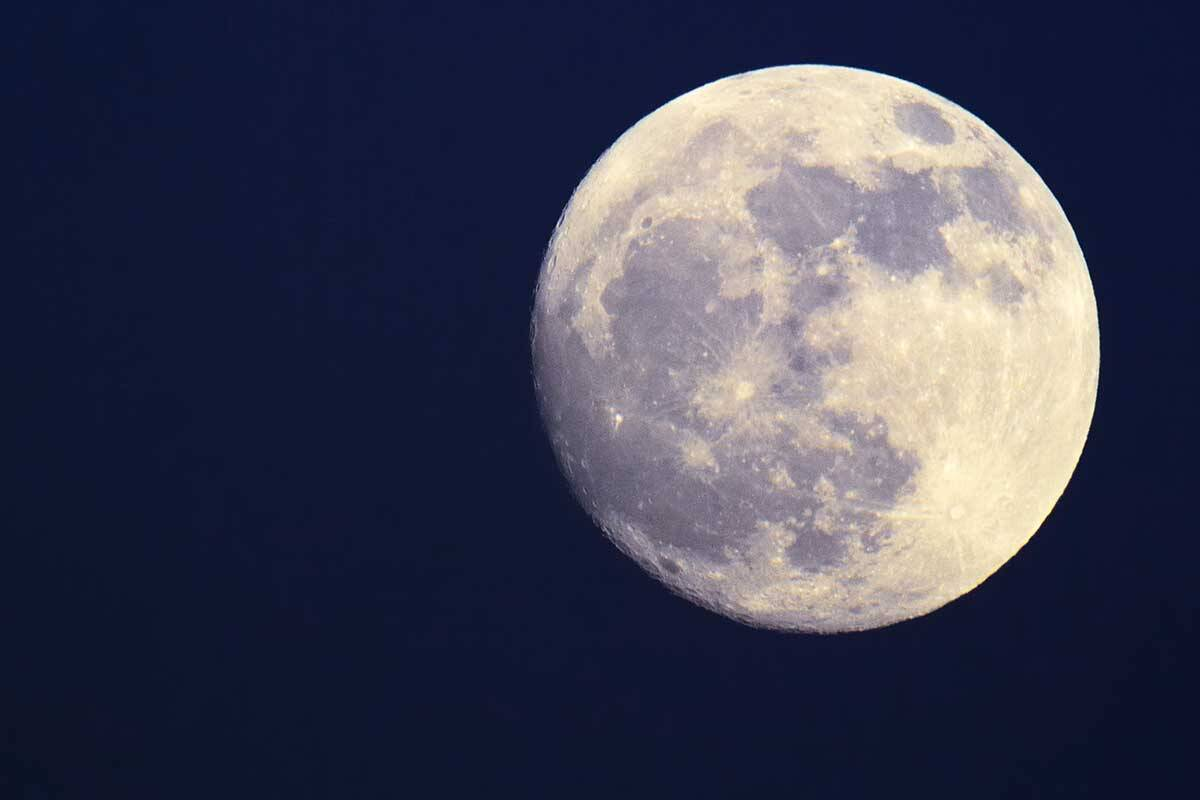 Article image for How the moon may be impacting your sleep