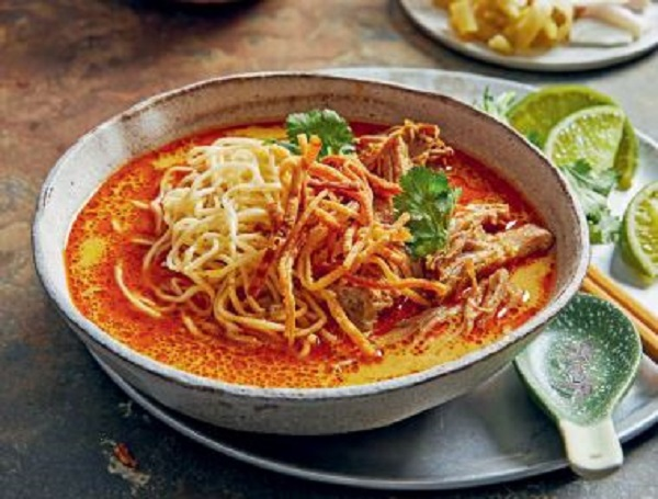 Article image for Dining with Den – Slow-cooker Chiang Mai Noodle Soup by Marion Grasby